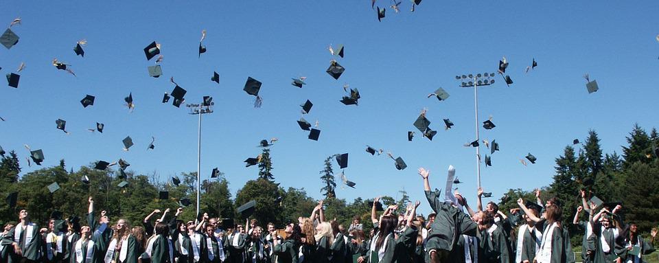 Falsos títulos universitarios